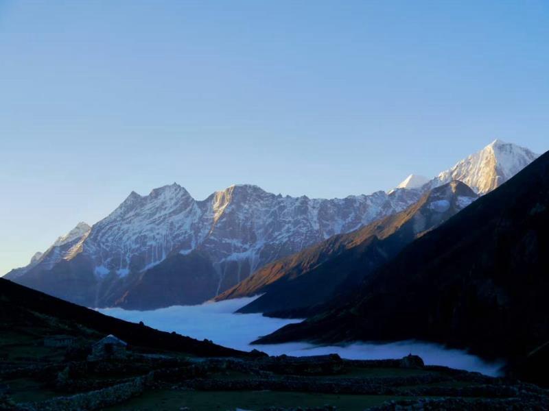 Das eindrucksvolle Basislager für den Everest Scenic Trail