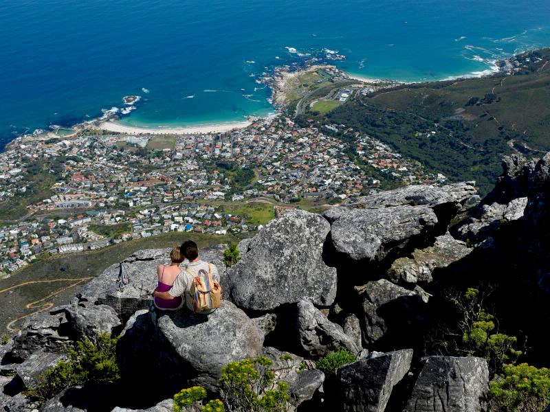 Ein berühmter Tiefblick: Das Panorama von Kapstadt vom Tafelberg aus gesehen.